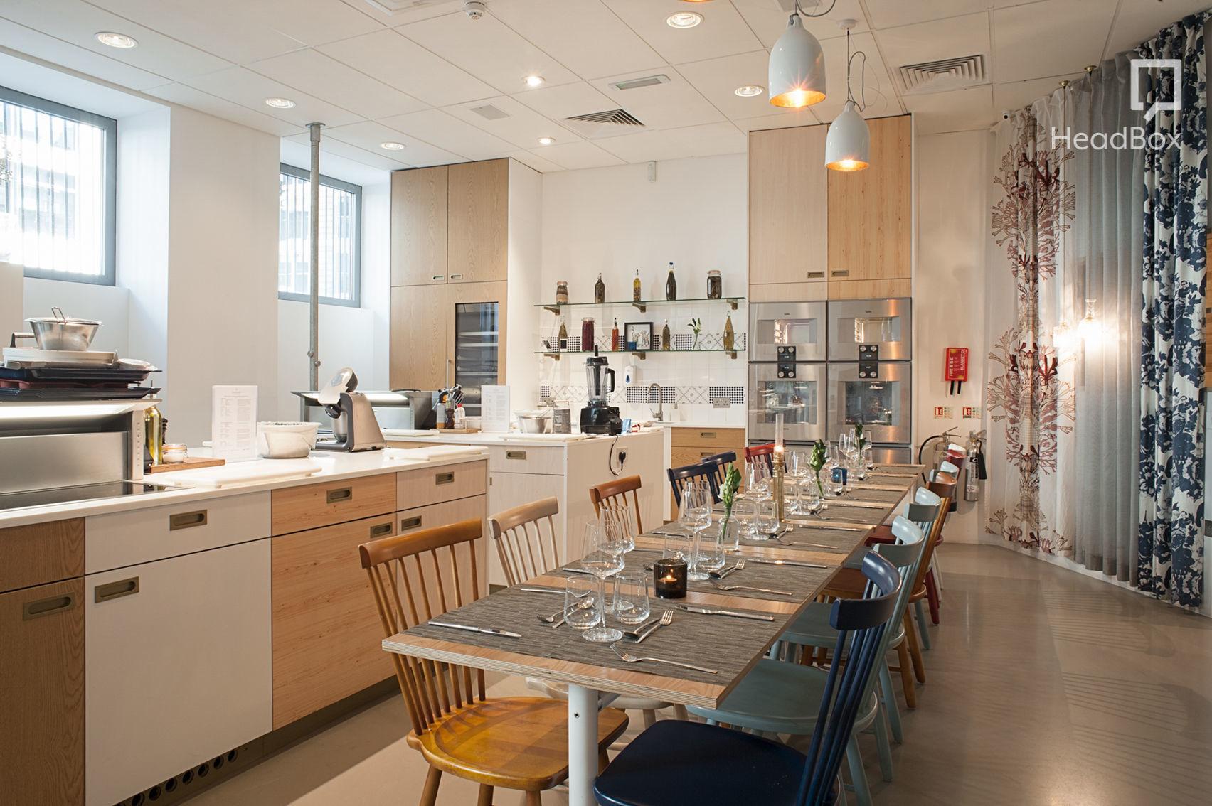 Kitchen Space 3, Aveqia