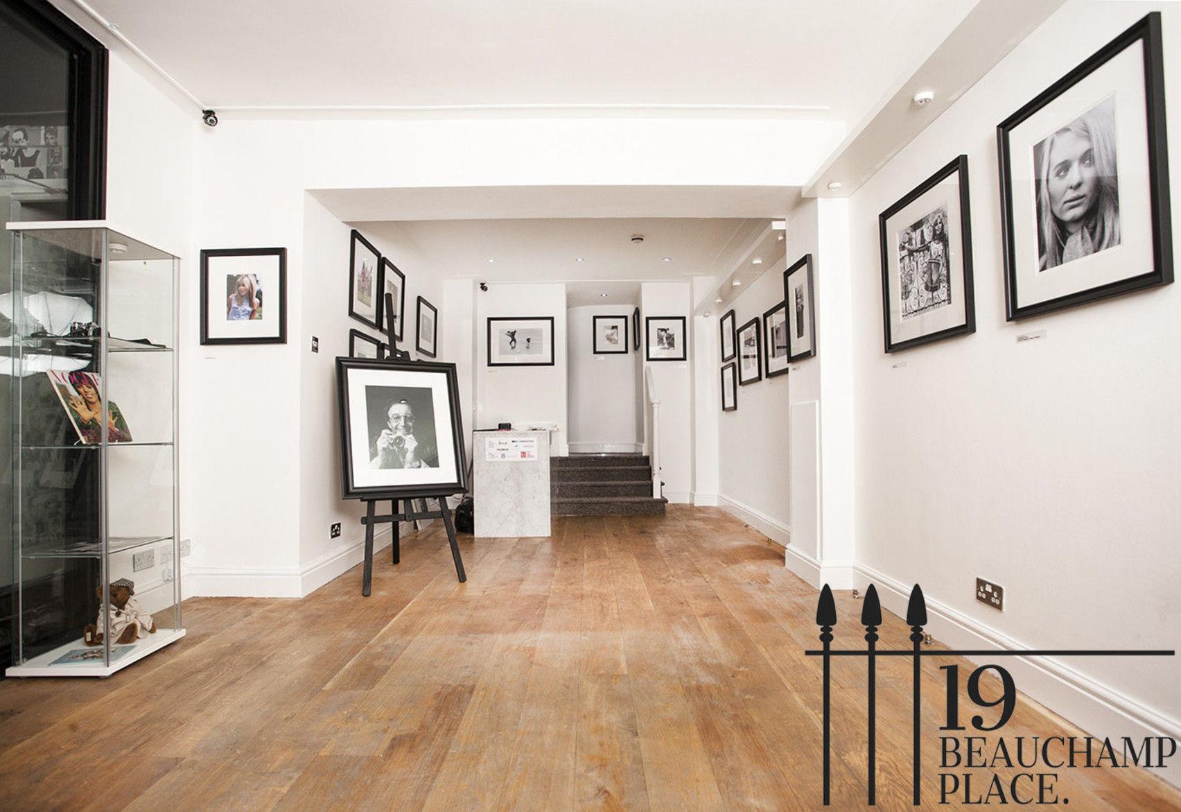 1st Floor Townhouse, 19 Beauchamp Place