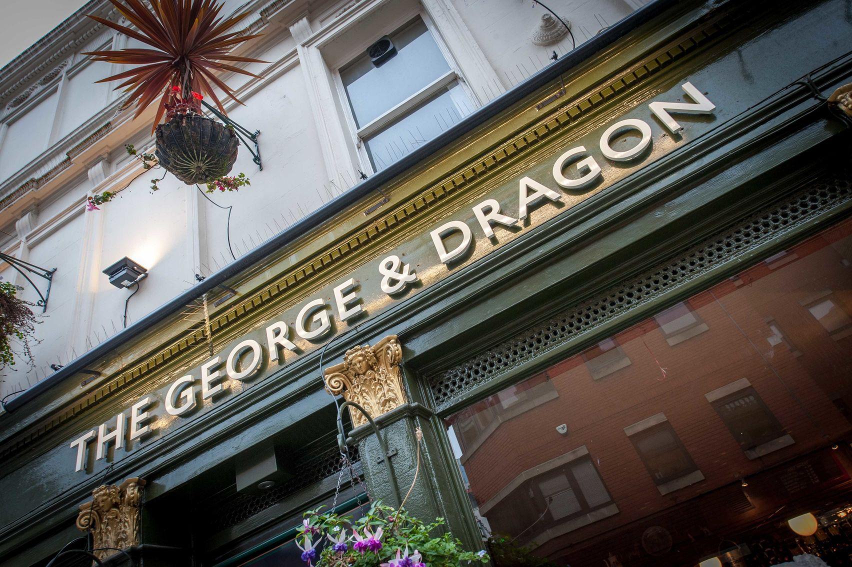 Entire Pub, George & Dragon