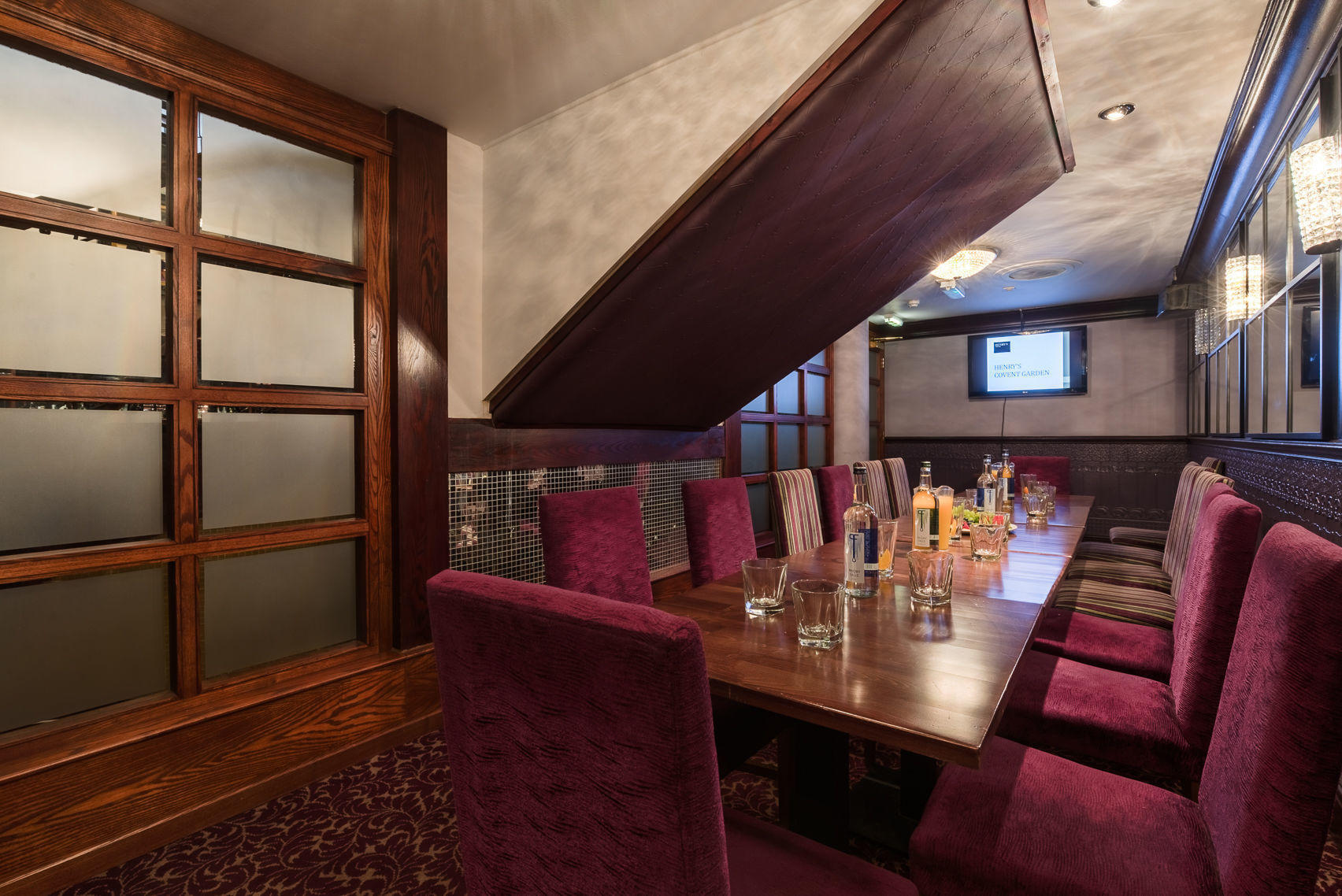 Dry Hire, Private Room, Henry's Cafe Bar