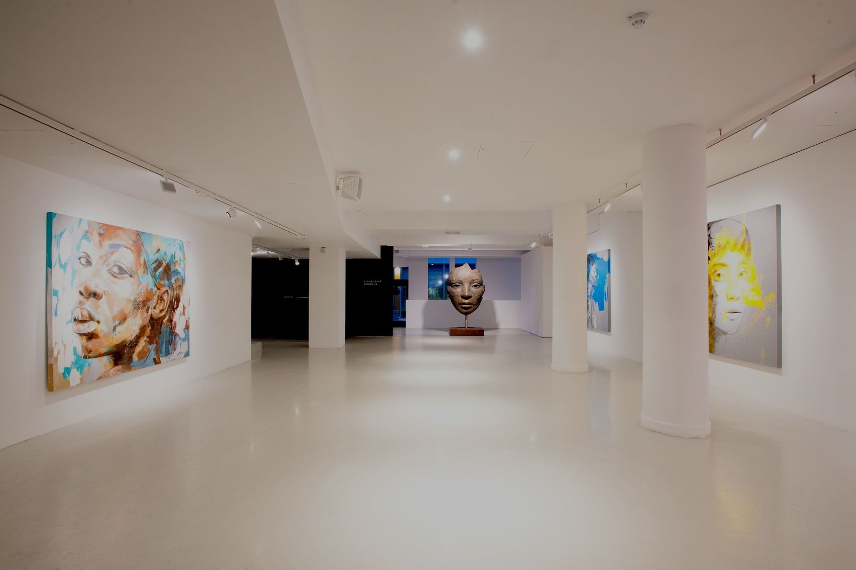 Entire Gallery, 7 Rathbone Place