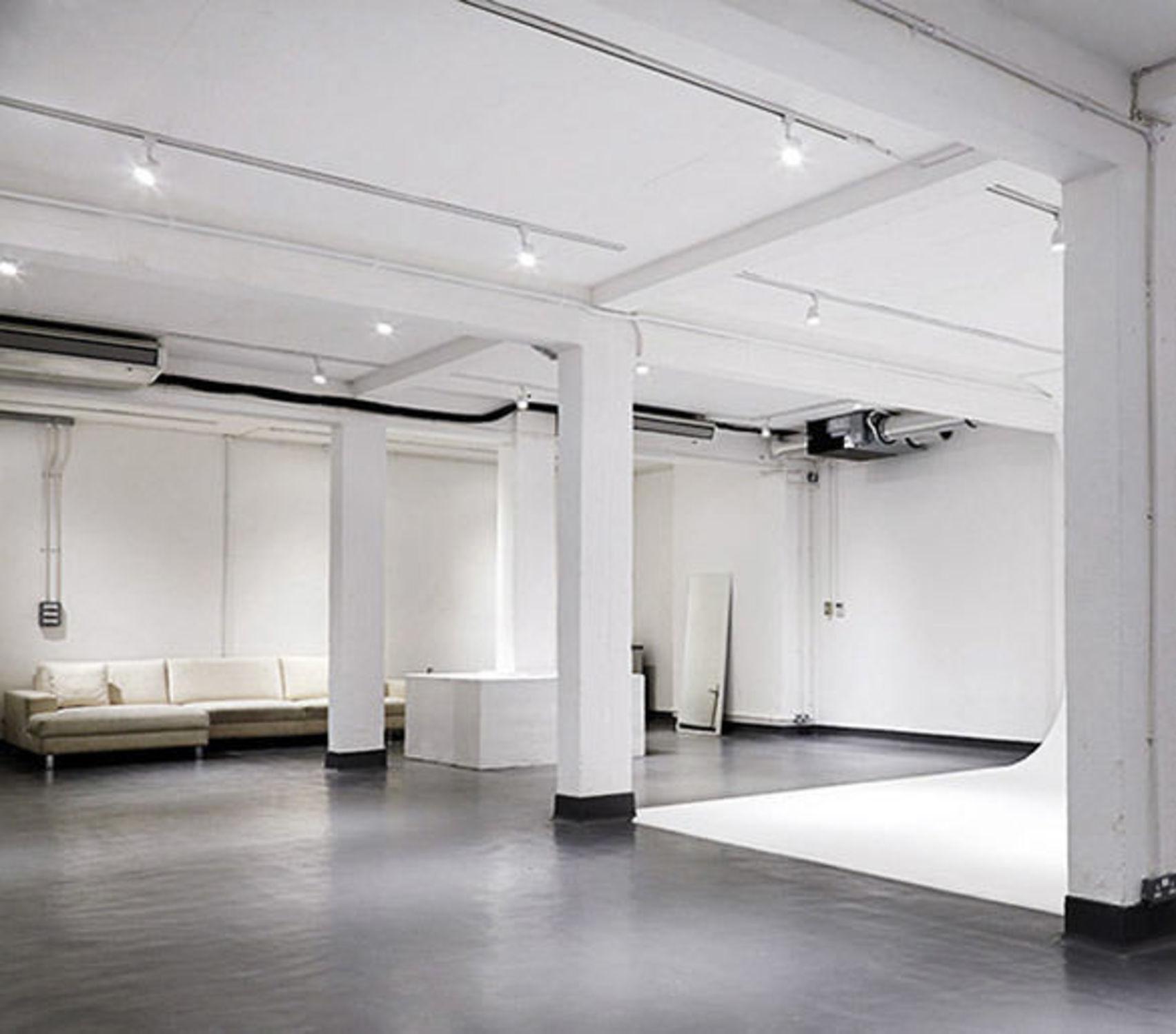 Studio Six, Street Studios