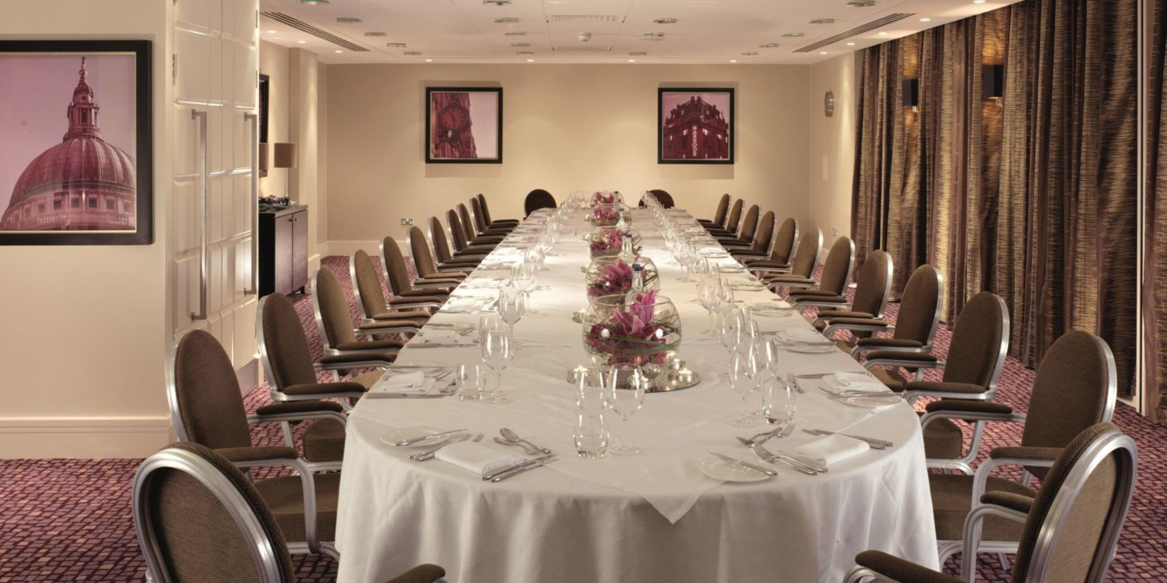 Knightsbridge Room, Crowne Plaza London Ealing