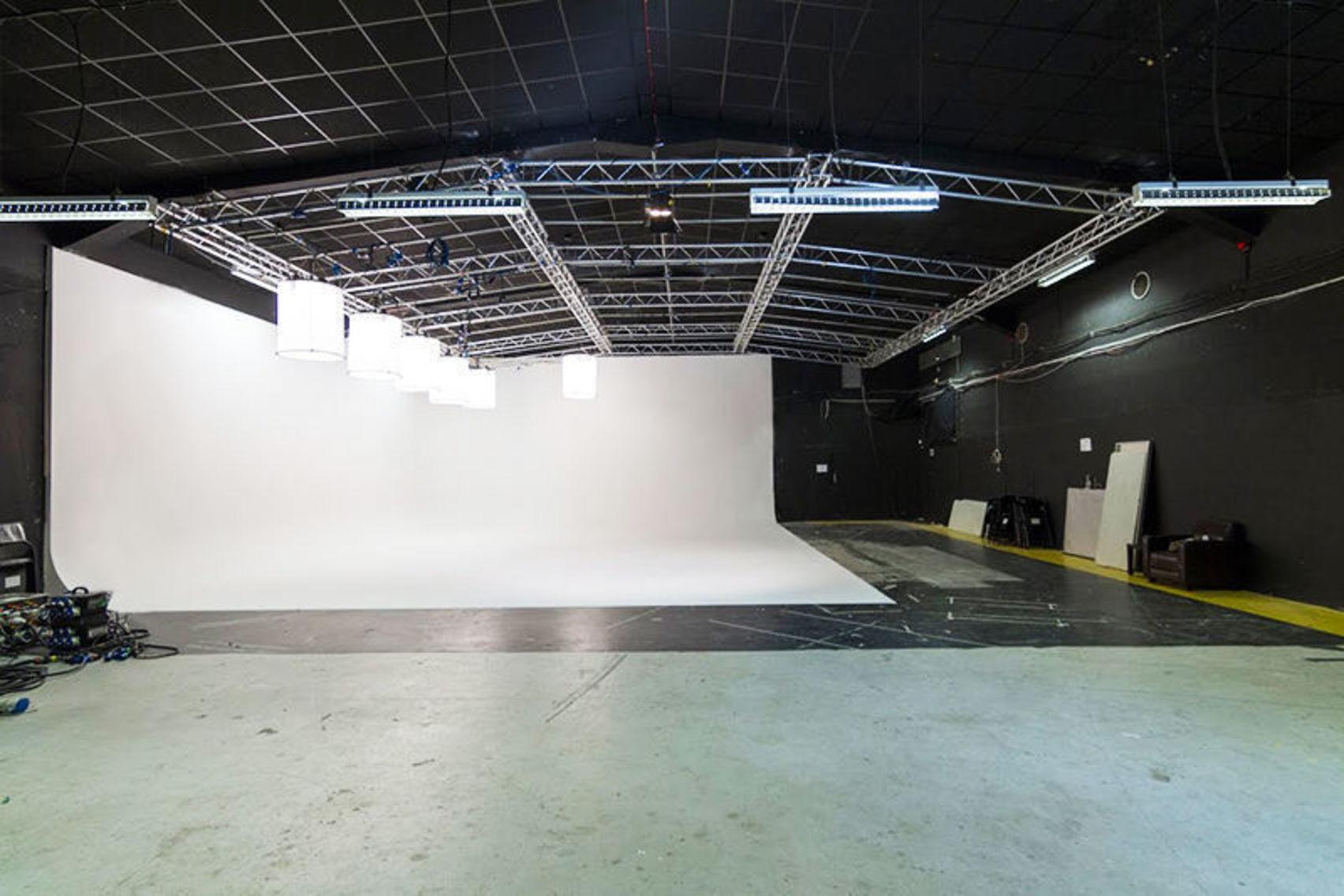 Studio 1, Spectrecom
