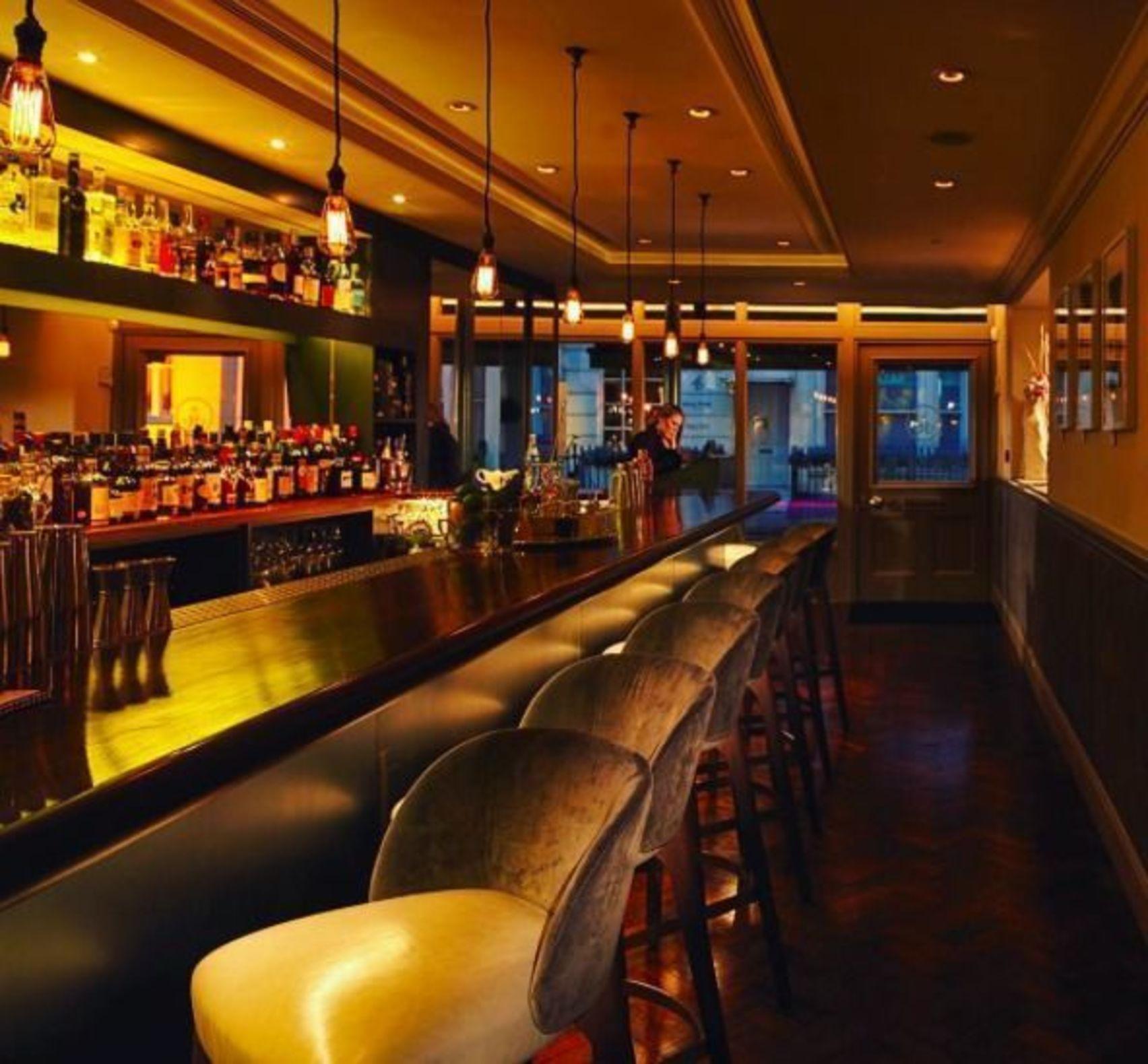 Dinner, Lounge, Salmontini