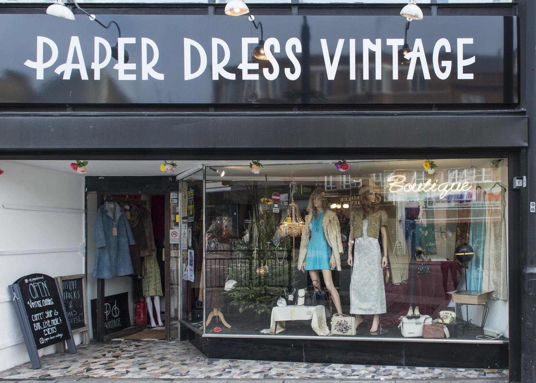 Vintage Space, Paper Dress Vintage