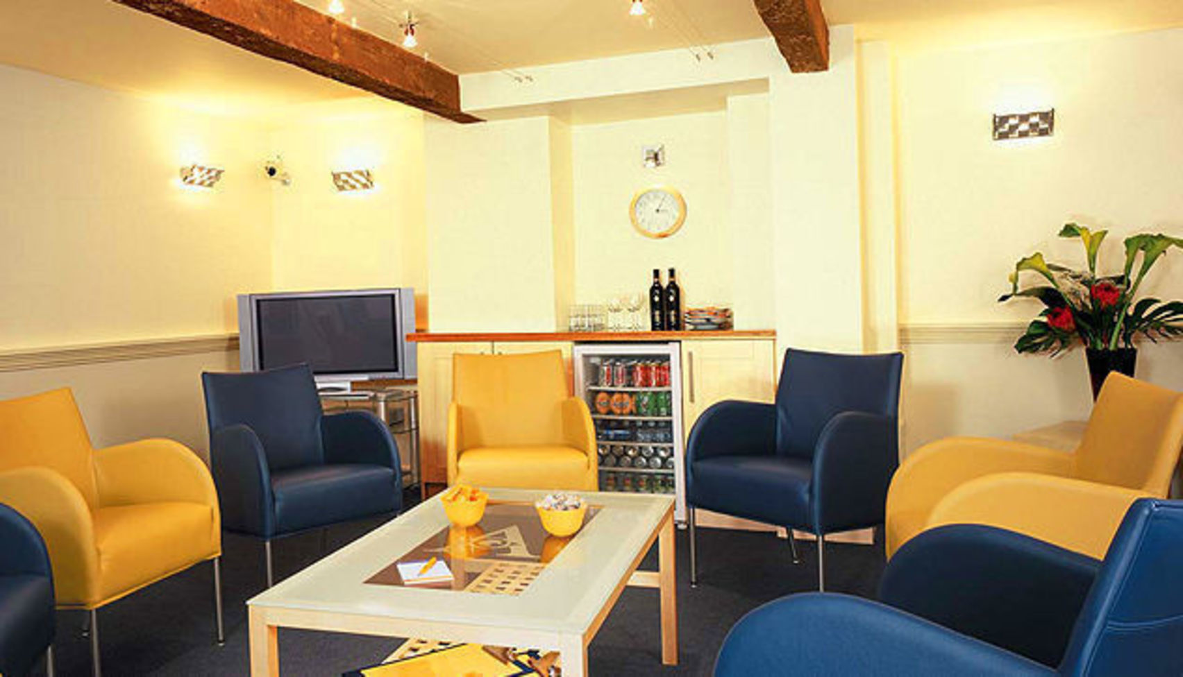 Studio One, Aspect Viewing Facilites Cheshire