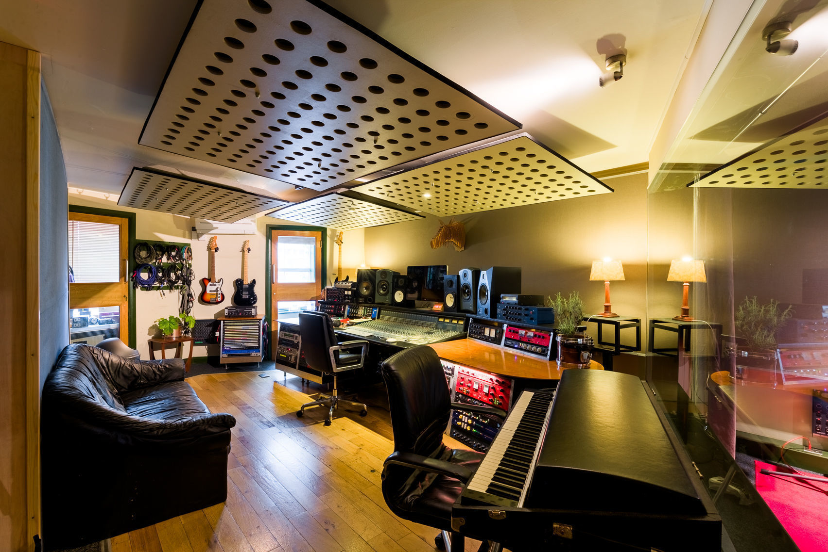 Recording Studio Day, Premises Studios