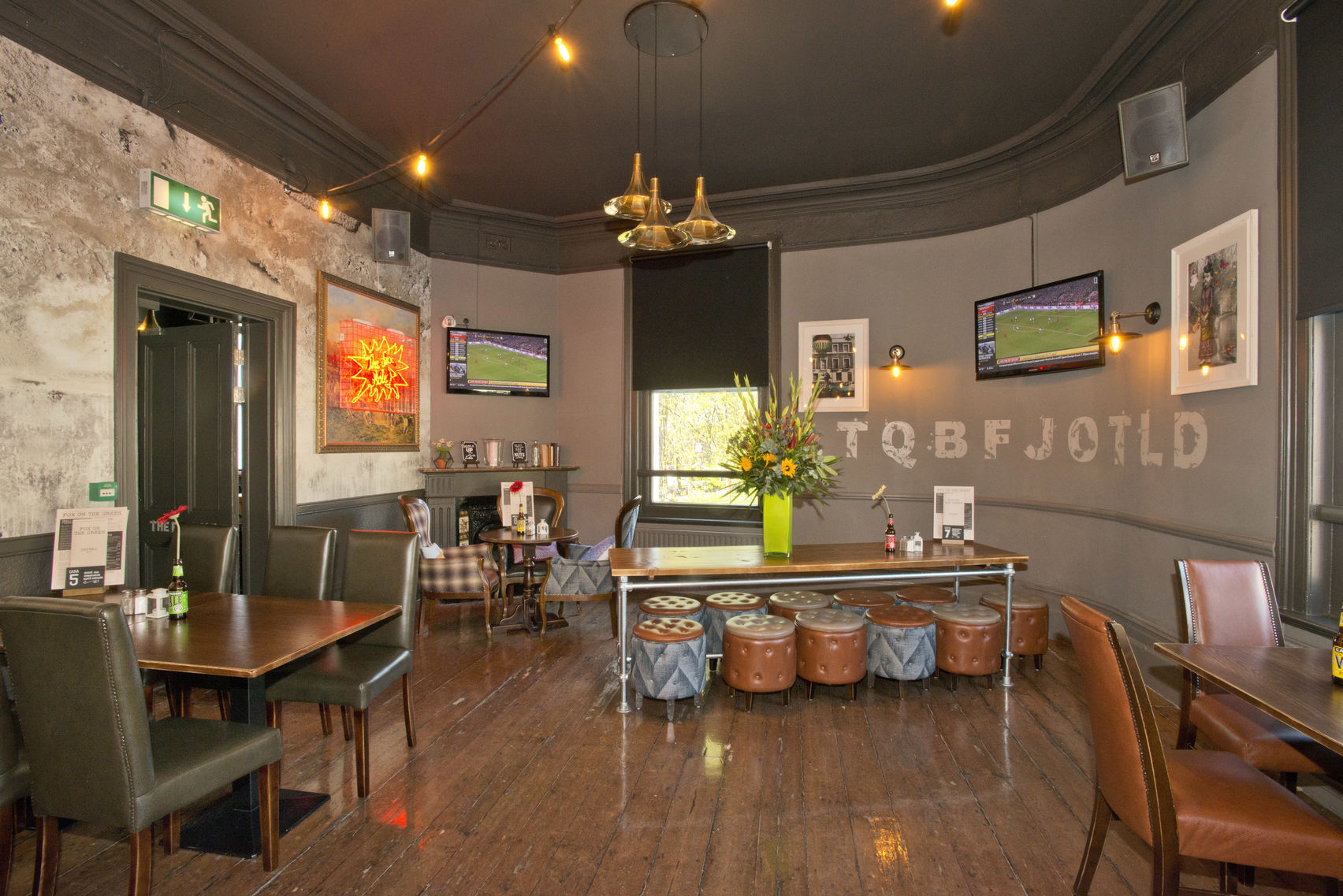 Basil's Bar and Upstairs Dining Room, The Fox on the Green