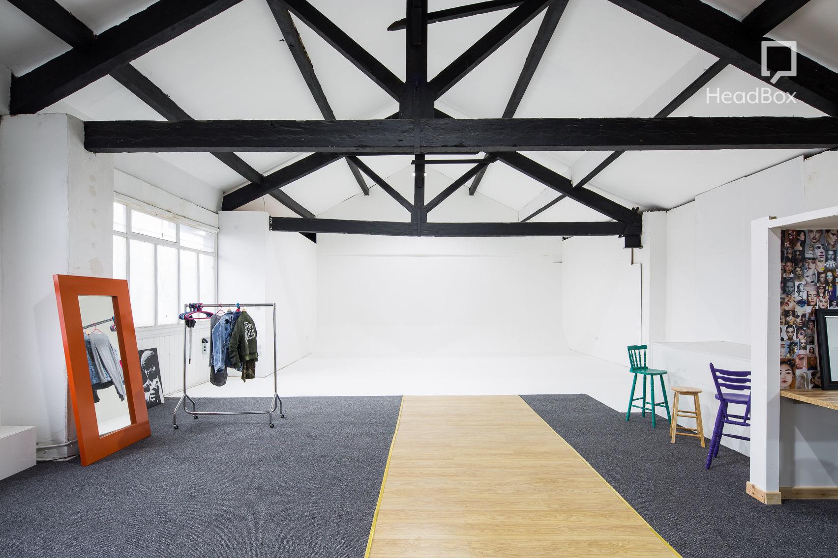 Studio 1, Studio 303