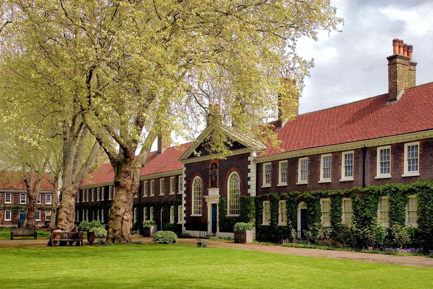 Front Lawns, Geffrye Museum