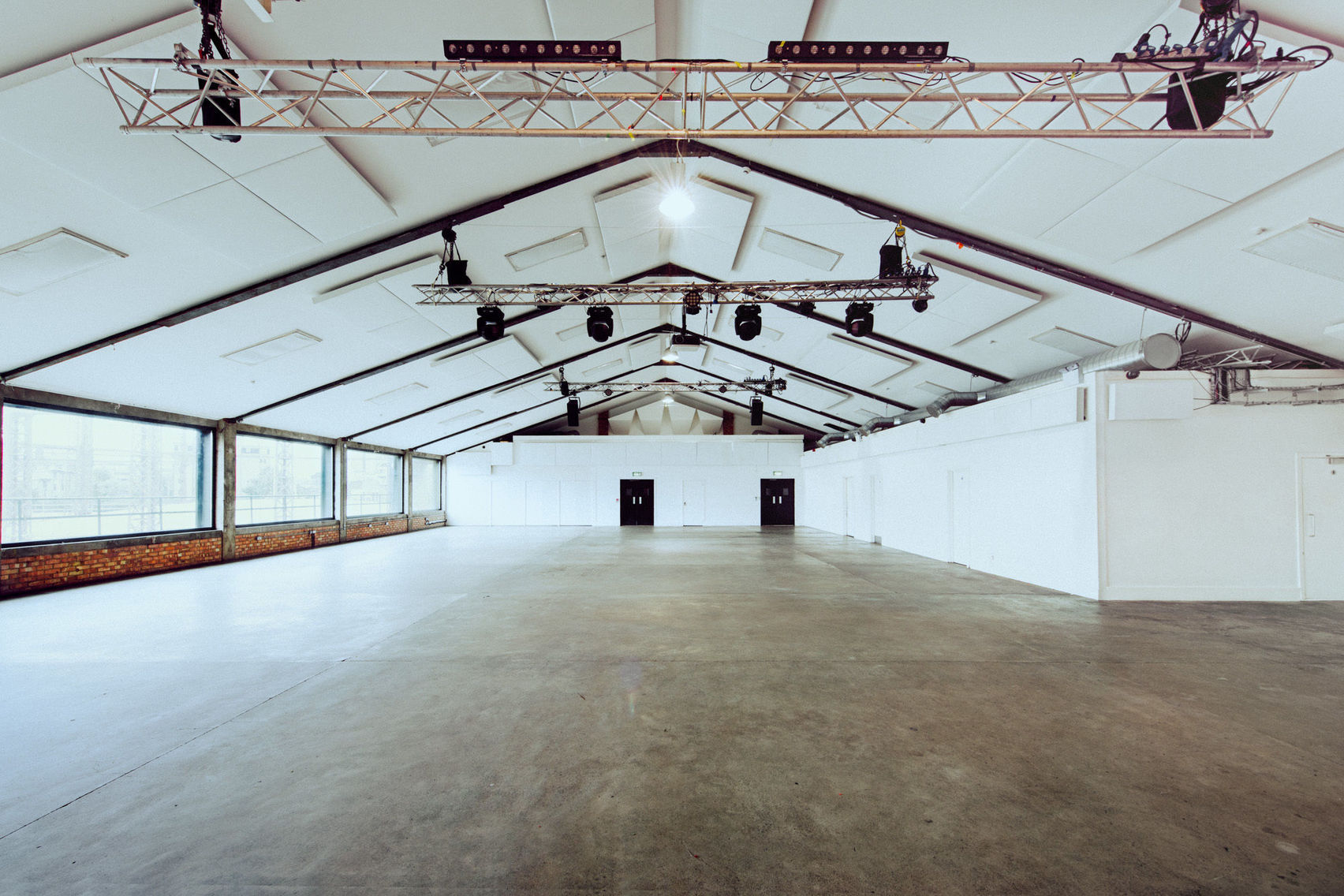 Exclusive Hire, Oval Space