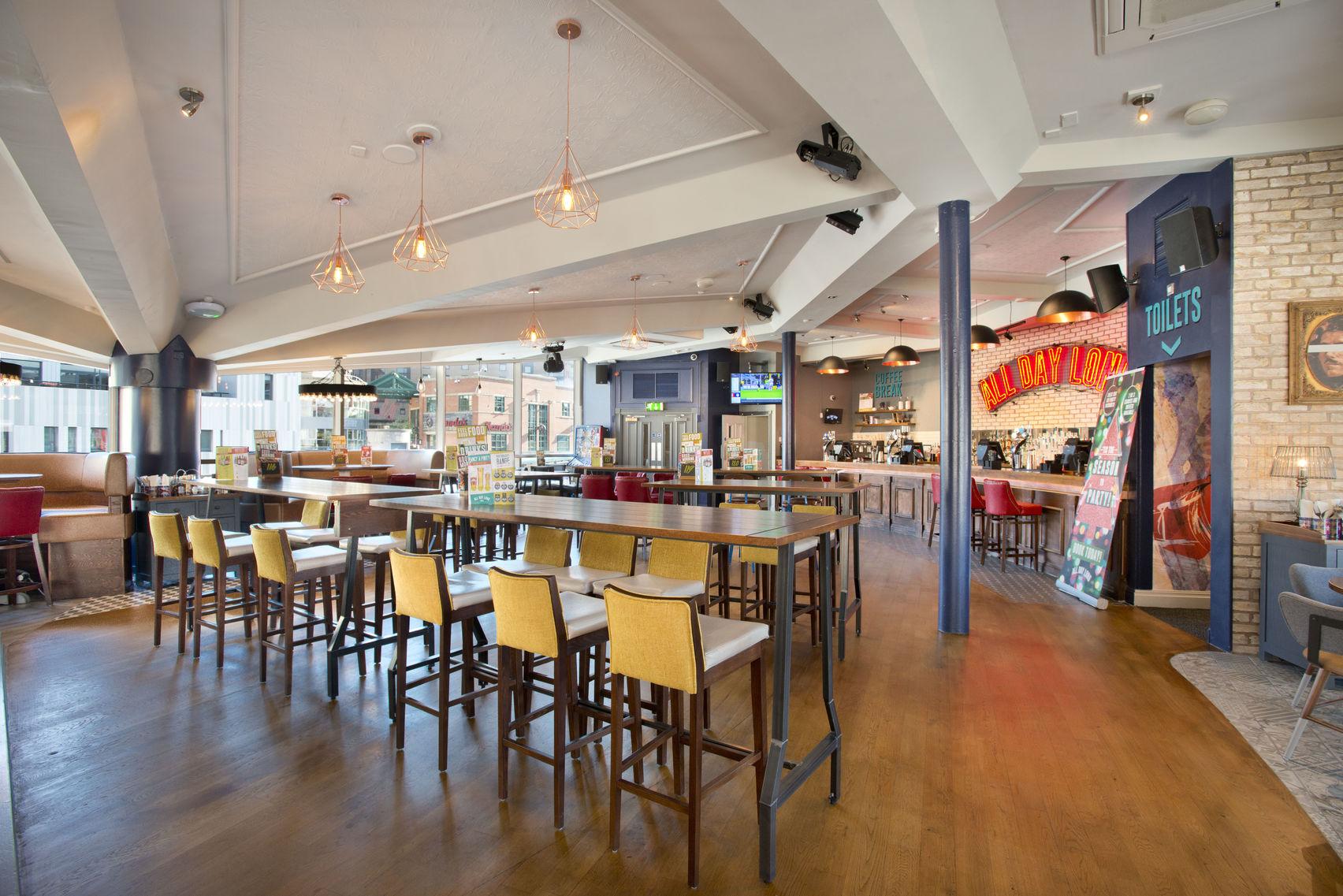 Spacious, versatile city centre venue , Yates Queen Square