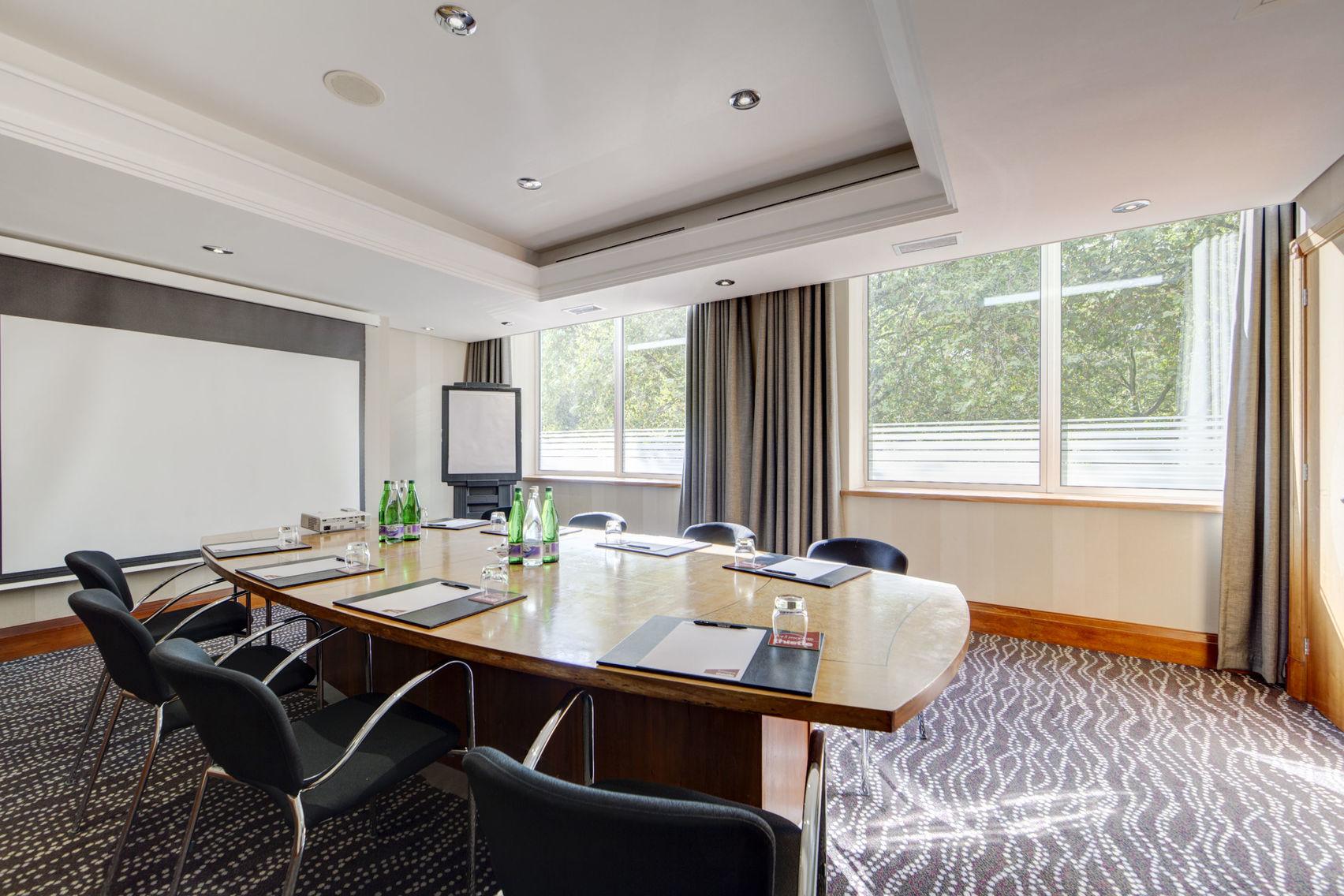 Book Boardroom Suite Thistle Kensington Gardens Hotel London