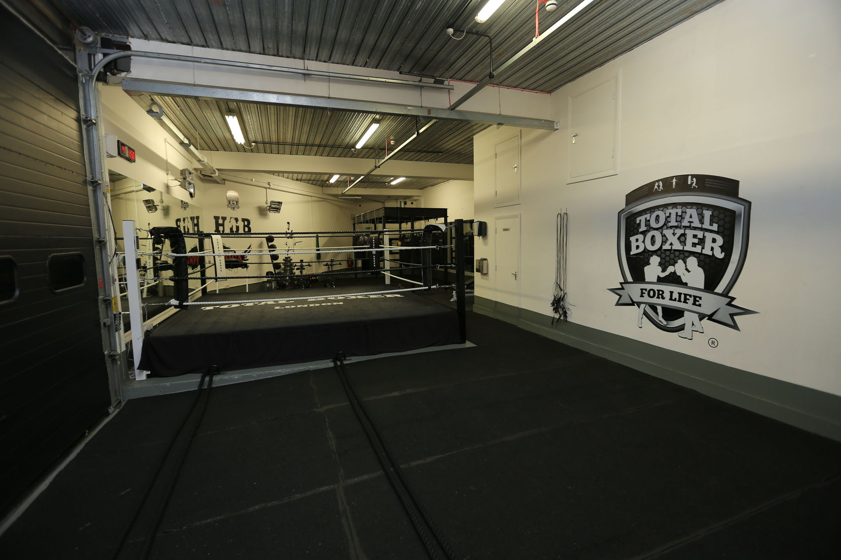 Boxing Gym and Yoga Studio, Total Boxer