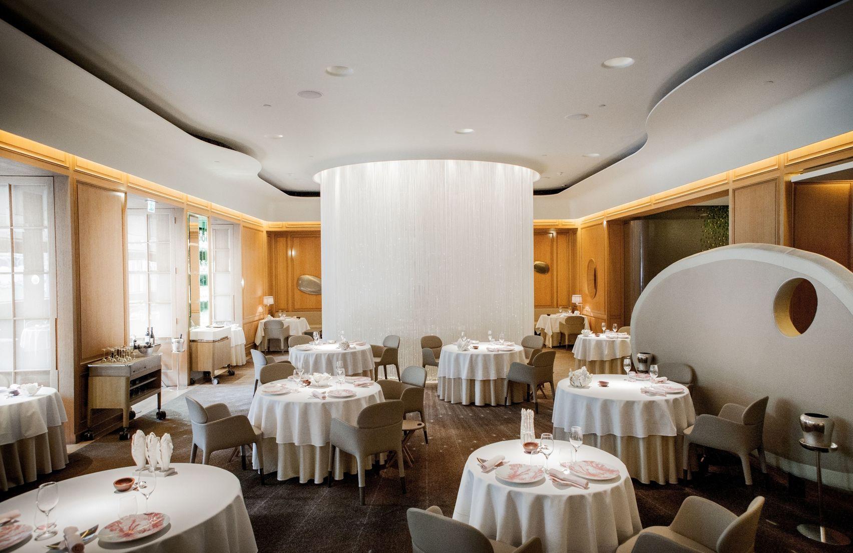 Table Lumière, Alain Ducasse at The Dorchester