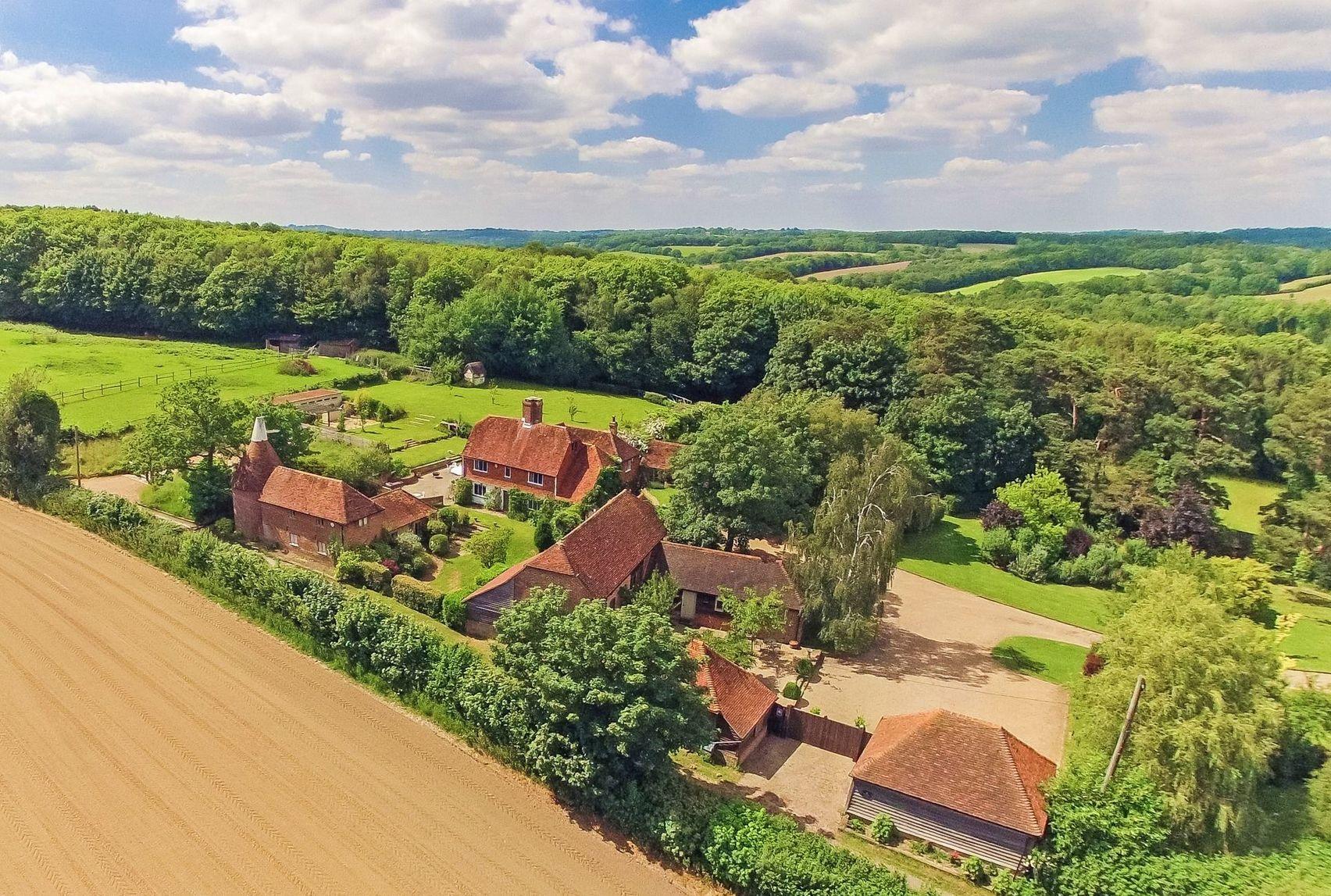 Your Country Estate, Fair Oak Farm