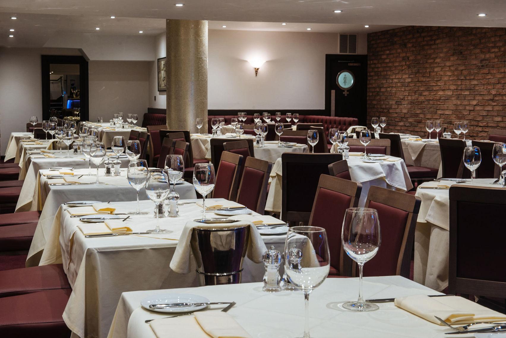 Main Restaurant, Gatti's