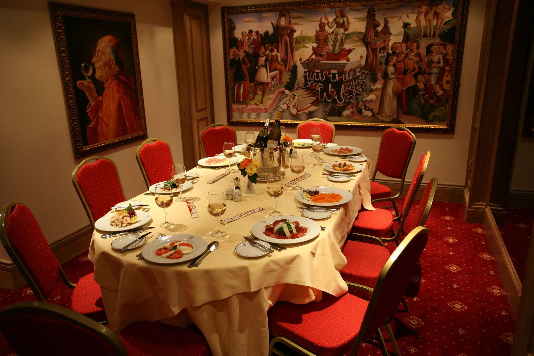 Venetian Room, Bolton's