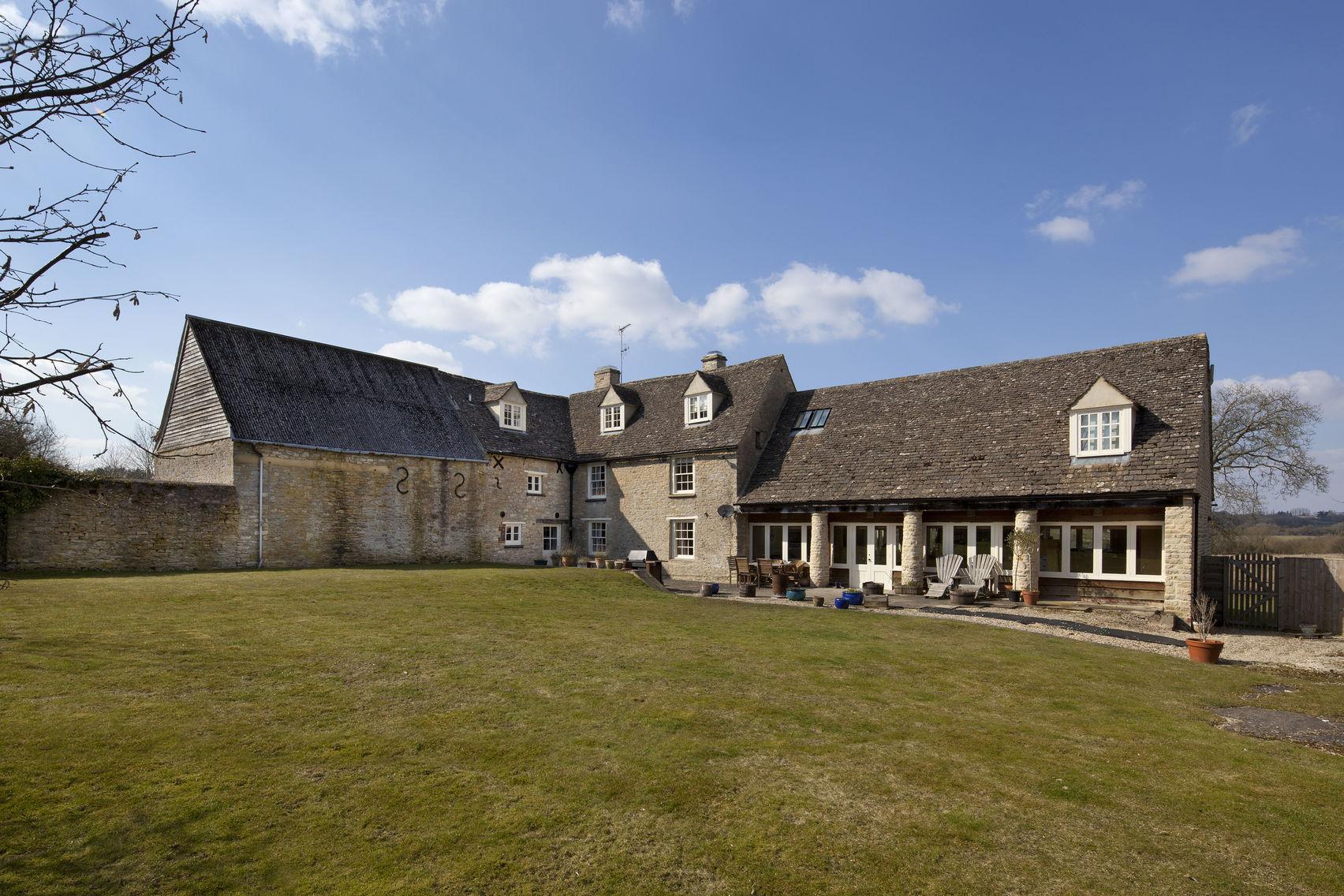 Whole house, New Yatt Farm
