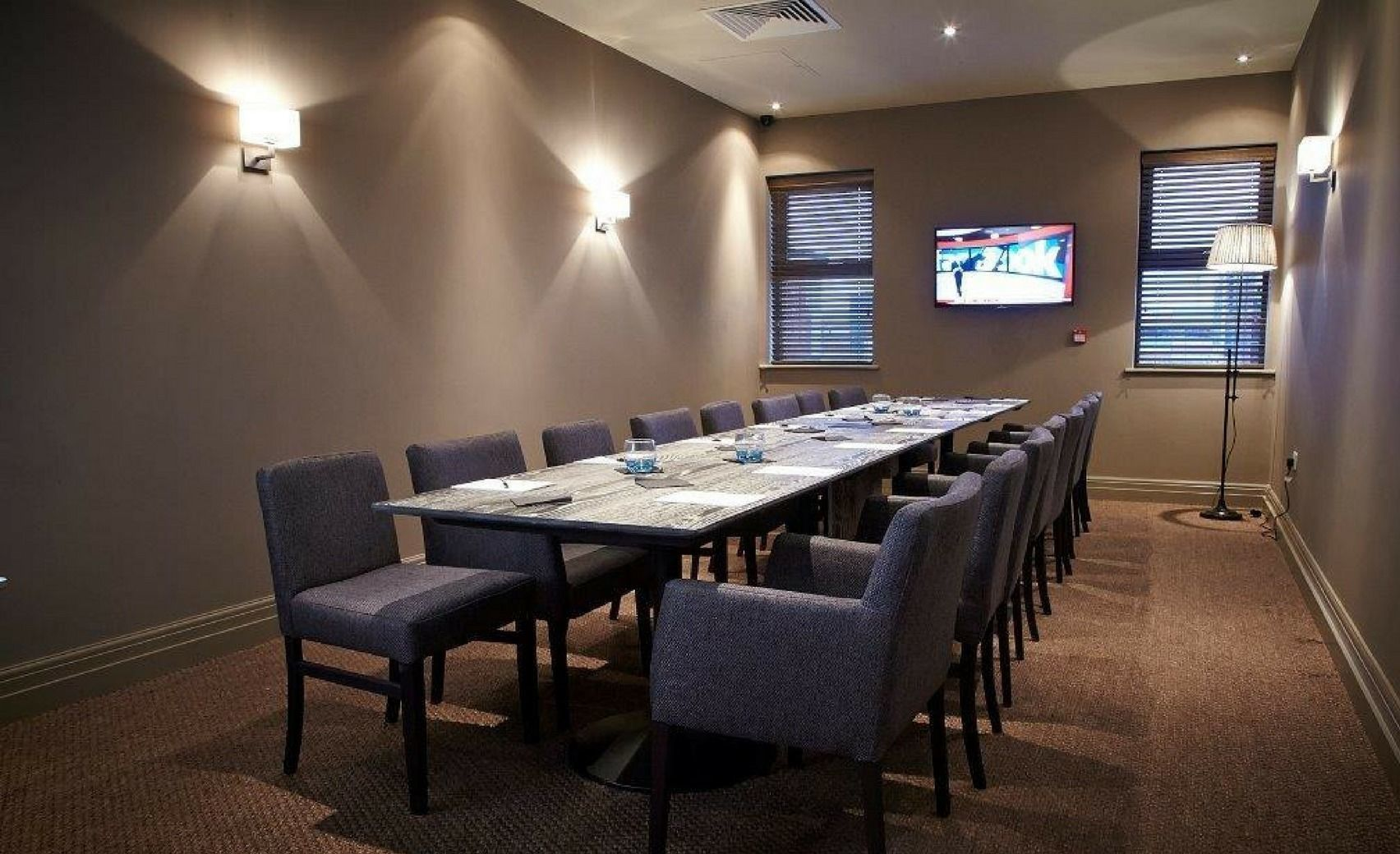Book Private Dining Room Seven Restaurant Cafe And Bar Derby HeadBox