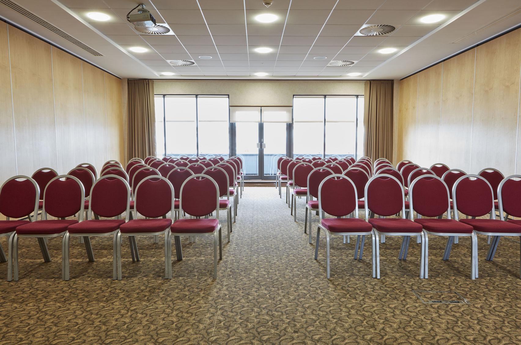 Holder, Future Inn Bristol Hotel