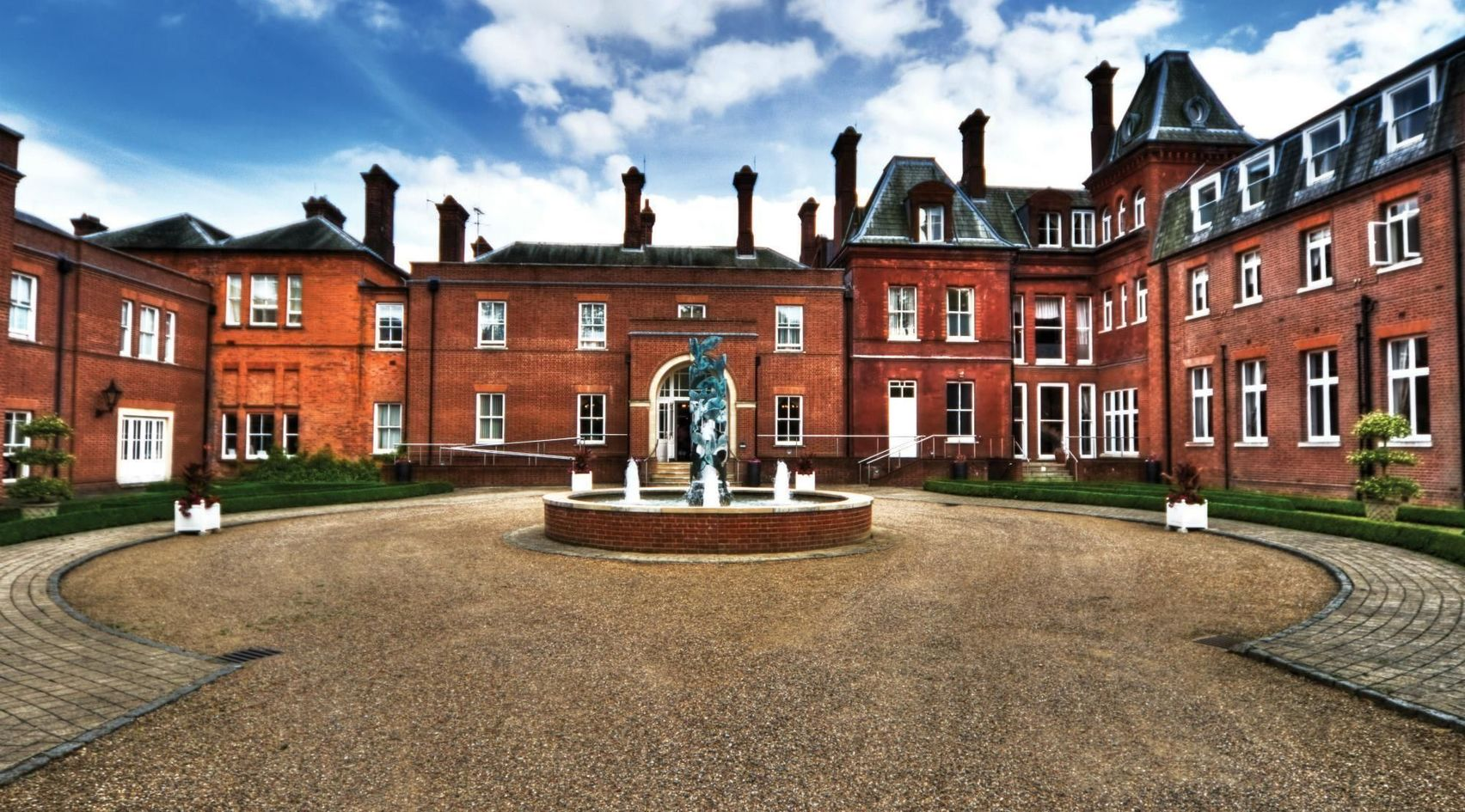 New Court 5, Tring Champneys Health Spa