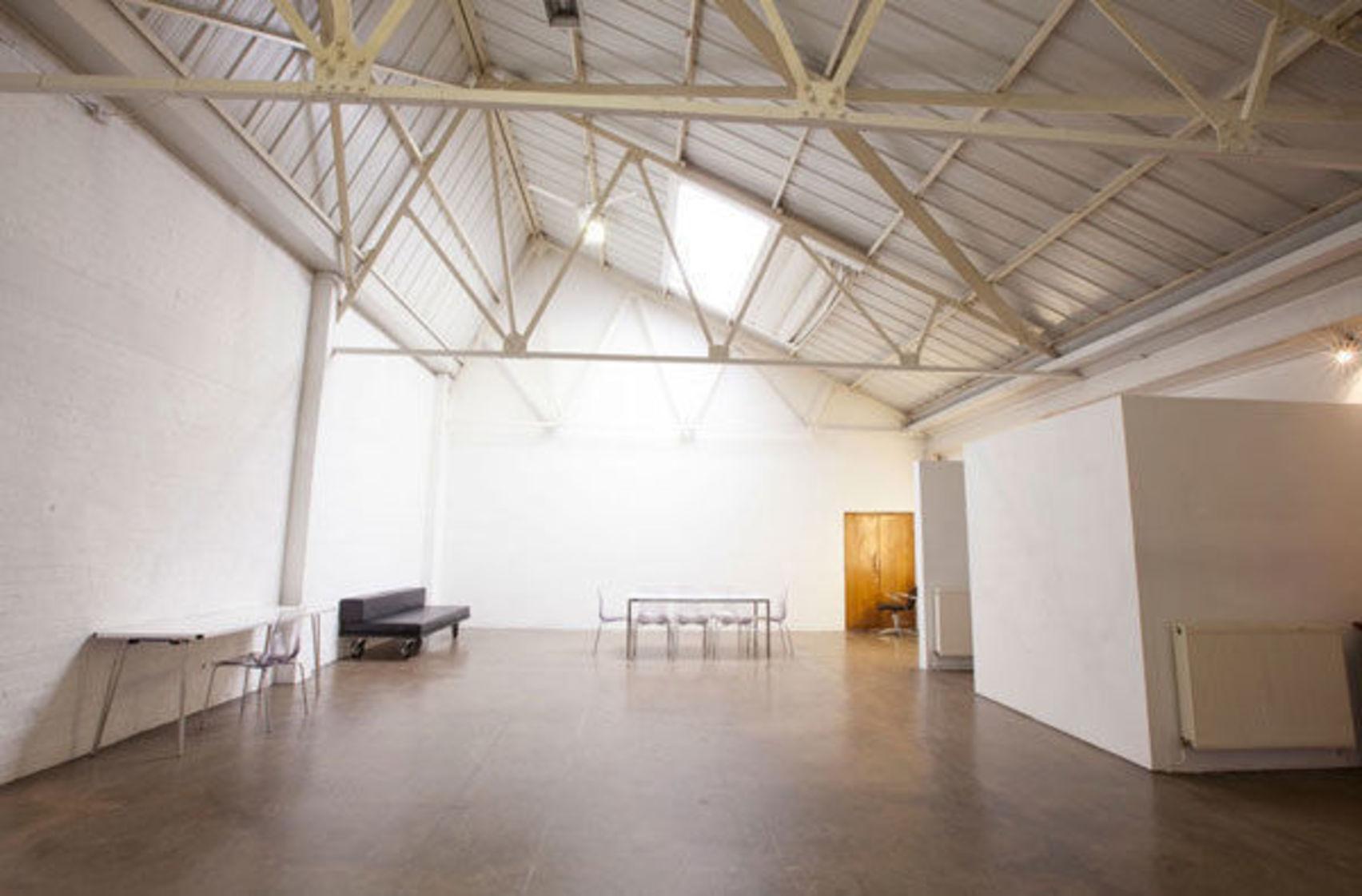 Studio 6, The Worx