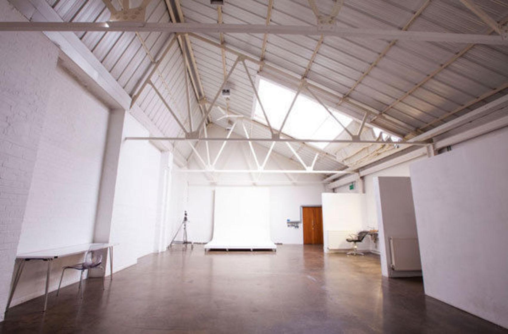 Studio 7, The Worx