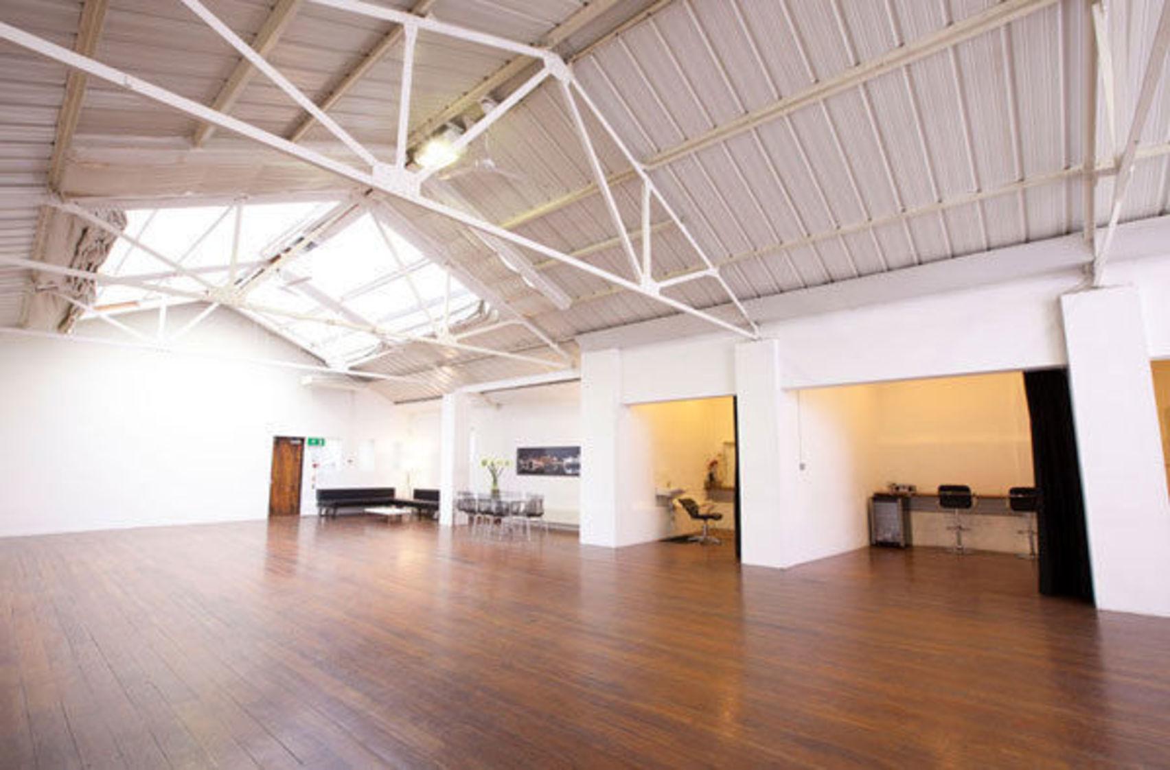 Studio 8, The Worx