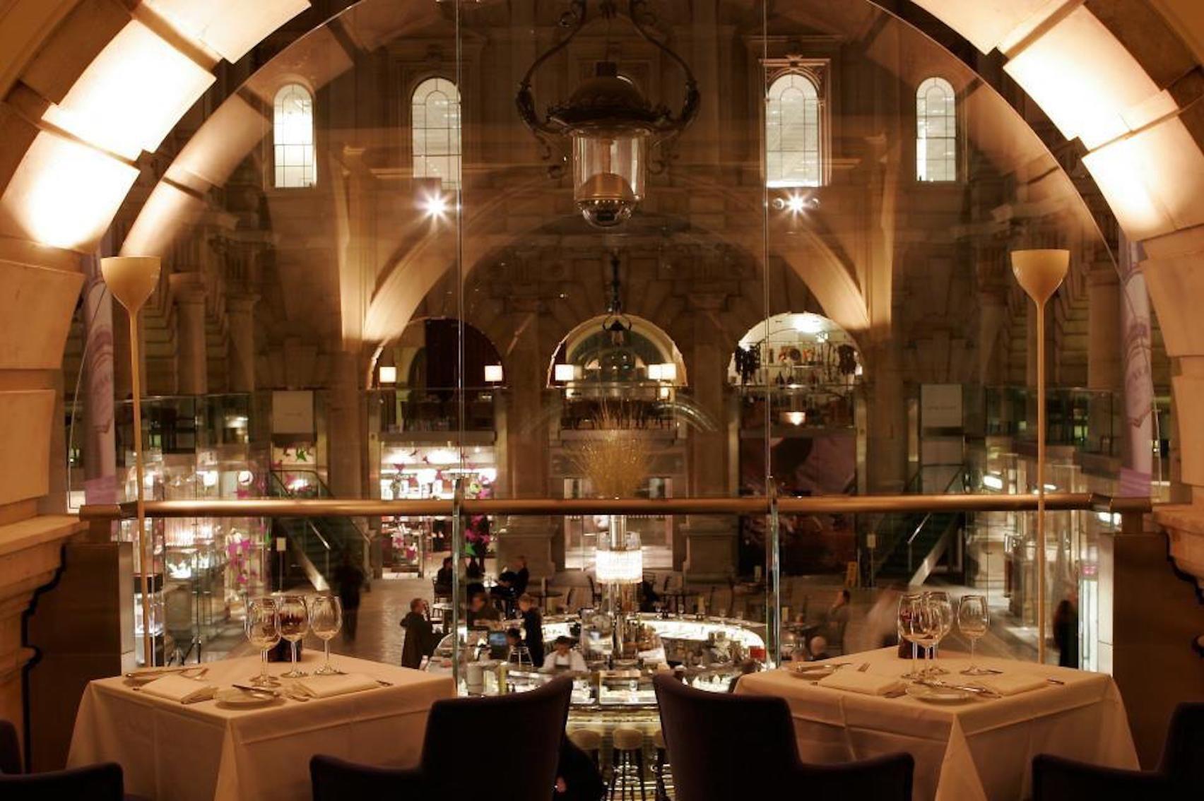 Sauterelle, Royal Exchange Grand Cafe