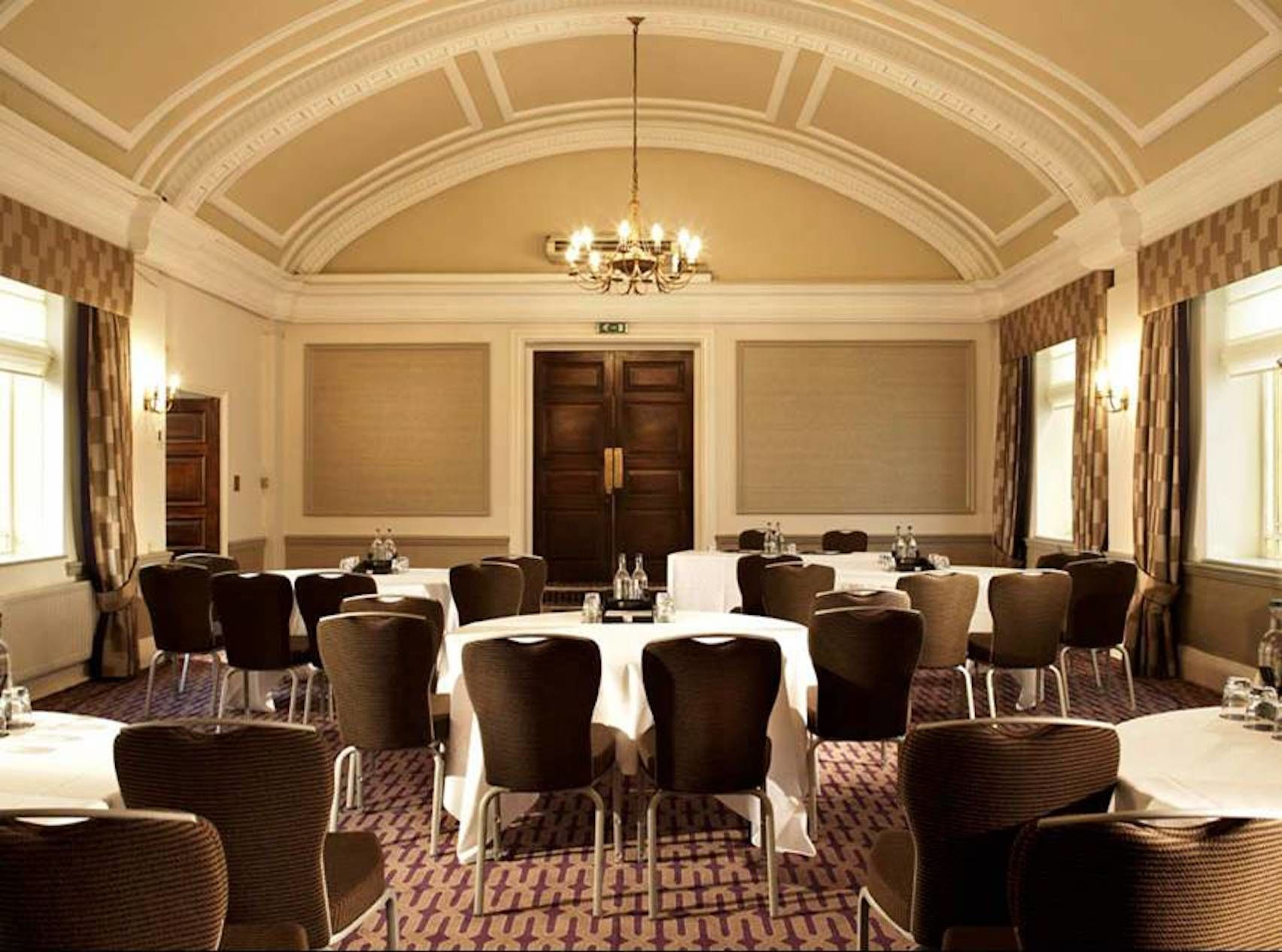 Ampthill, De Vere Grand Connaught Rooms