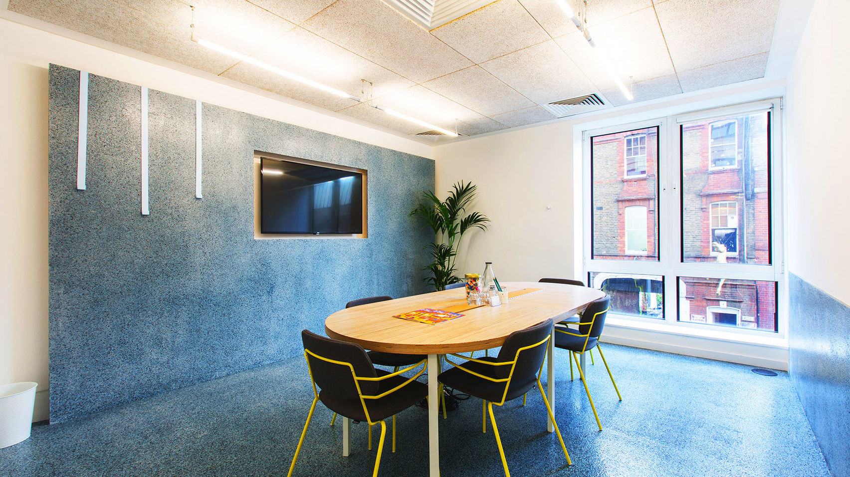 Book Meeting Room 7, TOG 2 Angel Square (London) – HeadBox