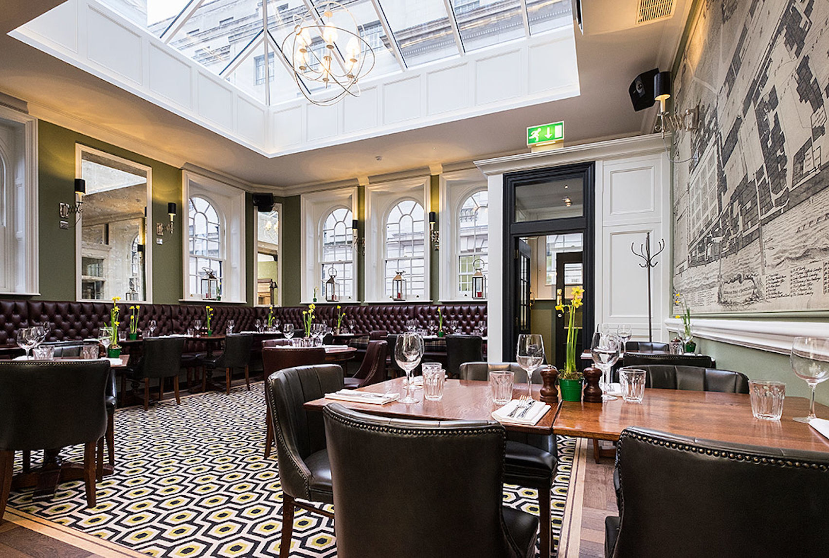 Tin Belly Dining Room, The Clarence Whitehall