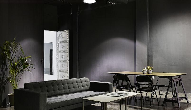 Black Studio, Studio Spaces E1