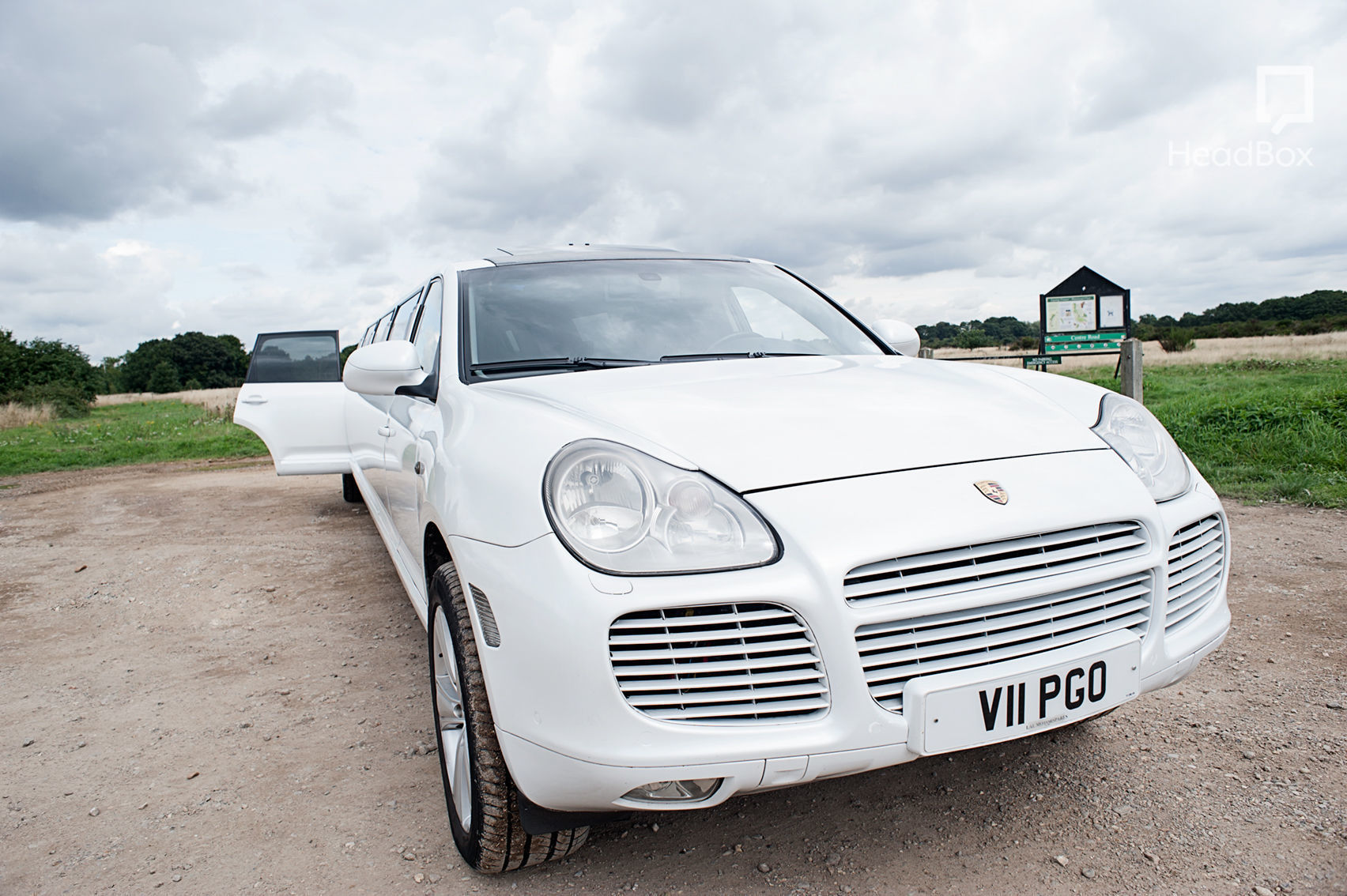 Limo hire, Porsche Cayenne Limo