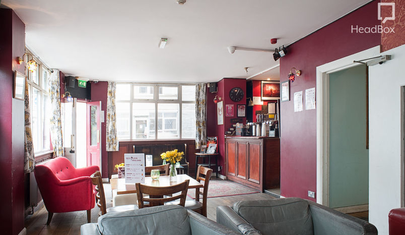 Second Floor Hire, Red Lion